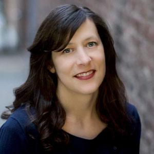 Amy Bradac Headshot
